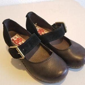 Lucky Brand leather maryjane clogs